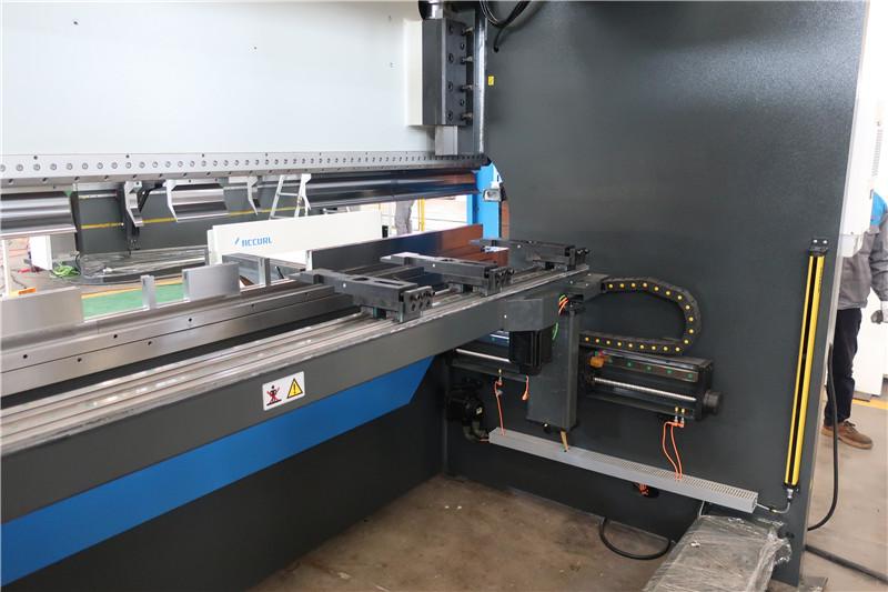 BGA-4 për X dhe R-Axis CNC Backgauge