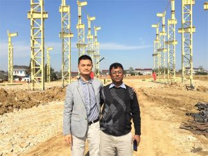 Konsumatorët e Bangladesh vijnë për të vizituar fabrikën e re që po ndërtojmë