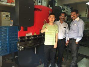 Konsumatorët e Indisë vizitojnë fabrikat dhe blejnë makineri
