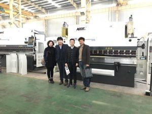 Klientët koreanë vizitojnë fabrikën tonë