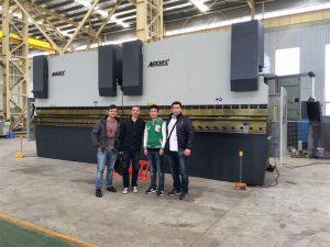 Konsumatorët e Vietnamit vizitojnë fabrikën tonë