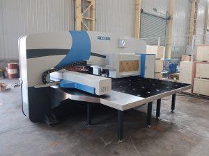 makine shtypje me shpejtësi të lartë cnc 30 ton me sistemin e kontrollit CNC Oi-PO