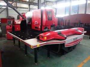 shtypni grushtin e grilave CNC