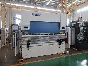 gjatësia e frenave hidraulike të CNC-së të lakimit 6000mm