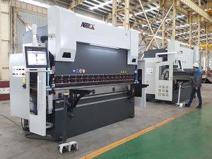 300tx 4000 3-vaj cilindra frena hidraulike shtypi me kontrollues CNC
