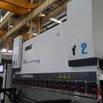 Frenë hidraulike 6-bosht CNC shtyp 200 Ton 3100mm për kthyeshëm CNC XR Z1 bosht Z2