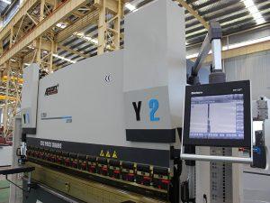 makine e re e shtypit CNC